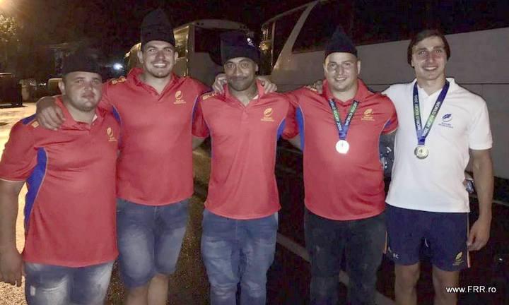 Debutantii Romaniei la World Rugby Nations Cup au intrat oficial in randul Stejarilor primind pileusul dacic.
